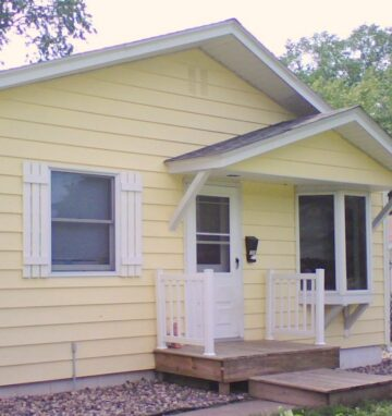 One of Our Rentals… Vintage, Cottage Style Duplex… 3 uh… no, 2 Bedrooms