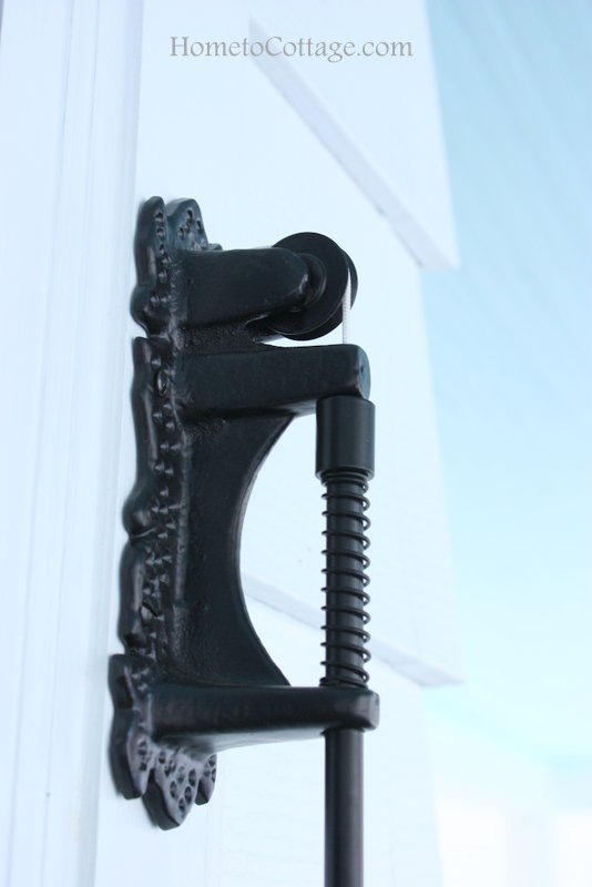 HometoCottage.com exterior doorbell pulley