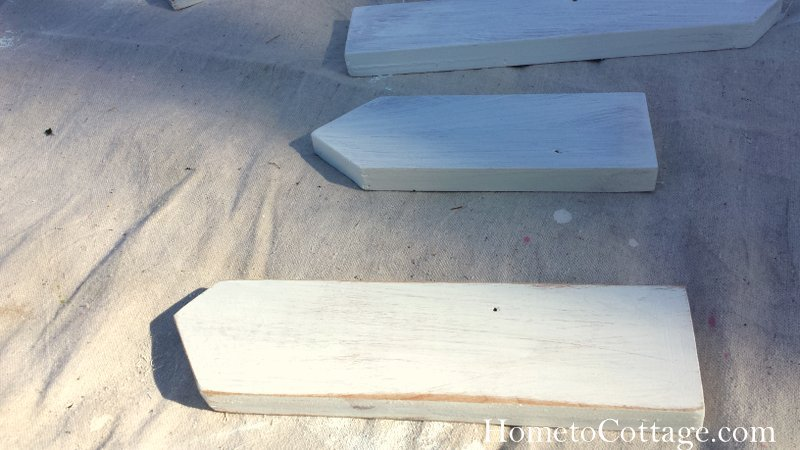 HometoCottage.com whitewashed pickets with one sanded