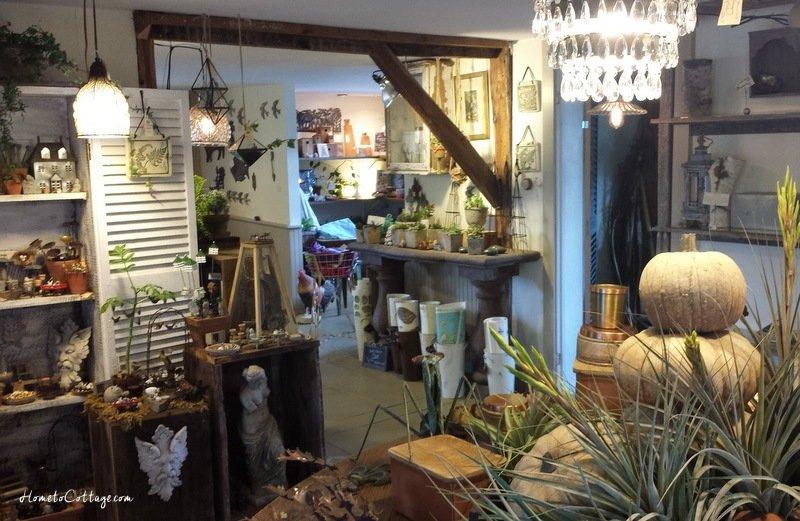 HometoCottage.com Snug Harbor Farm inside the shop
