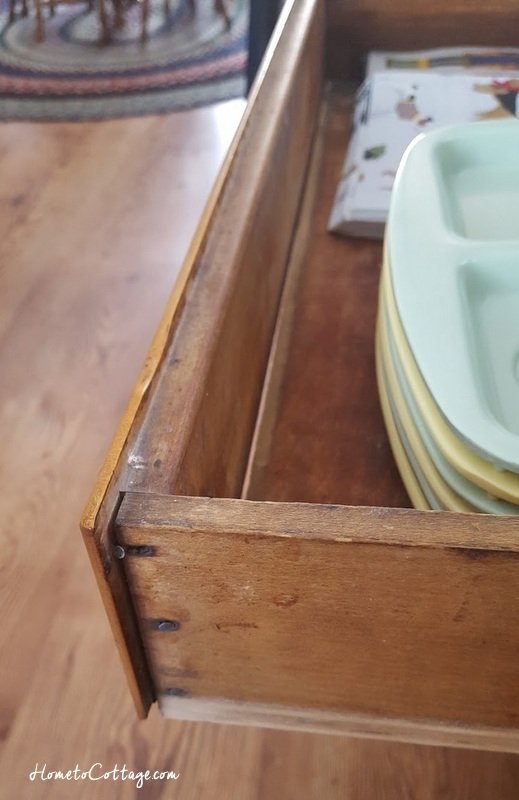 HometoCottage.com drawer to baker's table