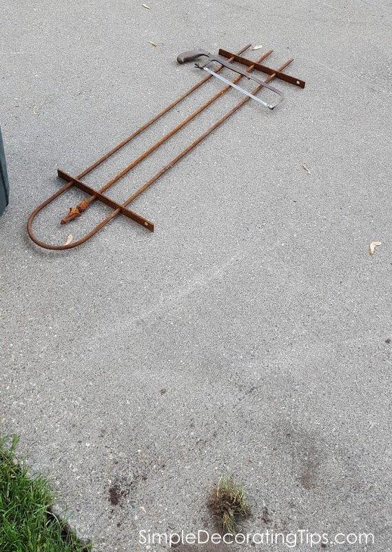 SimpleDecoratingTips.com DIY Iron Fence and Arbor