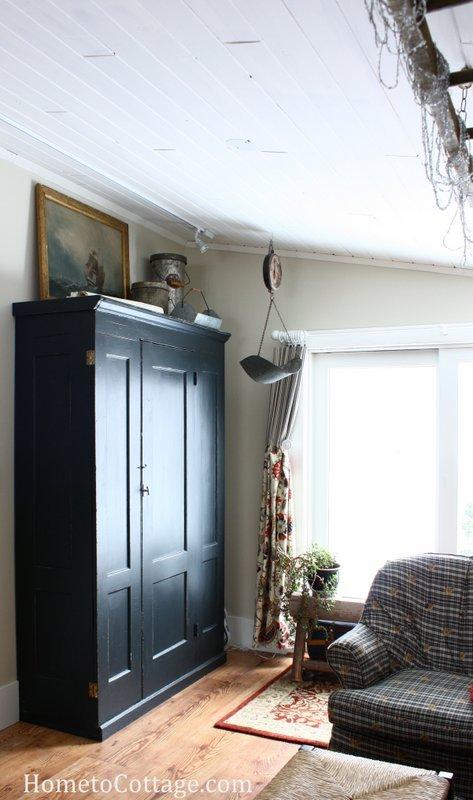 HometoCottage.com breakfast room after black cupboard