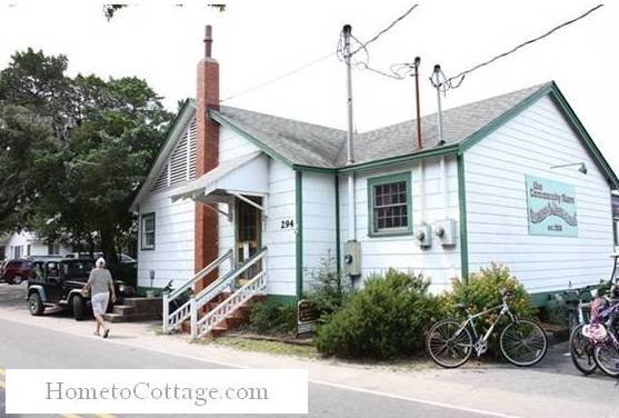 HometoCottage.com house store with bikes