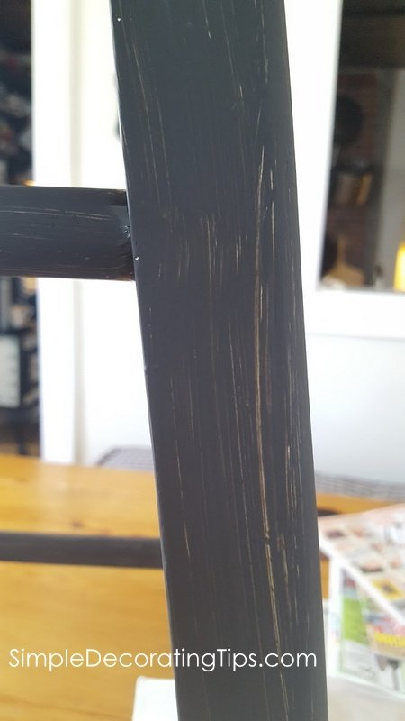 SimpleDecoratingTips.com close up of chalk paint coverage