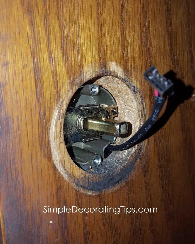 SimpleDecoratingTips.com How to Change a Door Lock