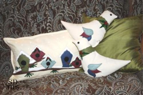 sewing felt christmas pillows